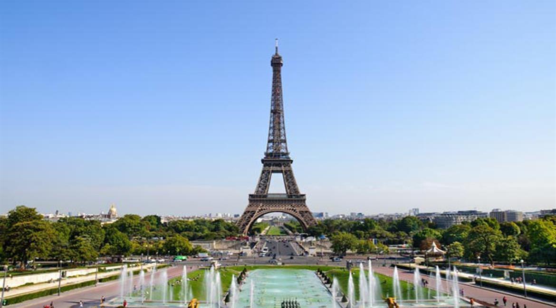MAINE-ET-LOIRE: Rallye Paris Tour Eiffel